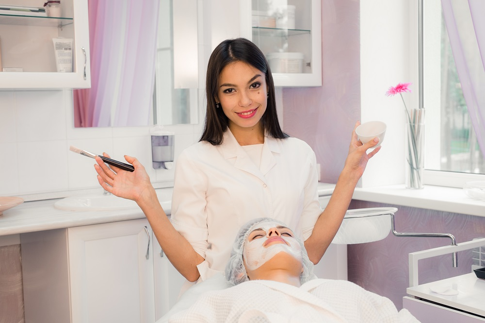 What is an Esthetician? A Closer Look at Skincare Professionals